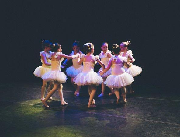 cours de danse classique modern jazz contemporain tavier 4163