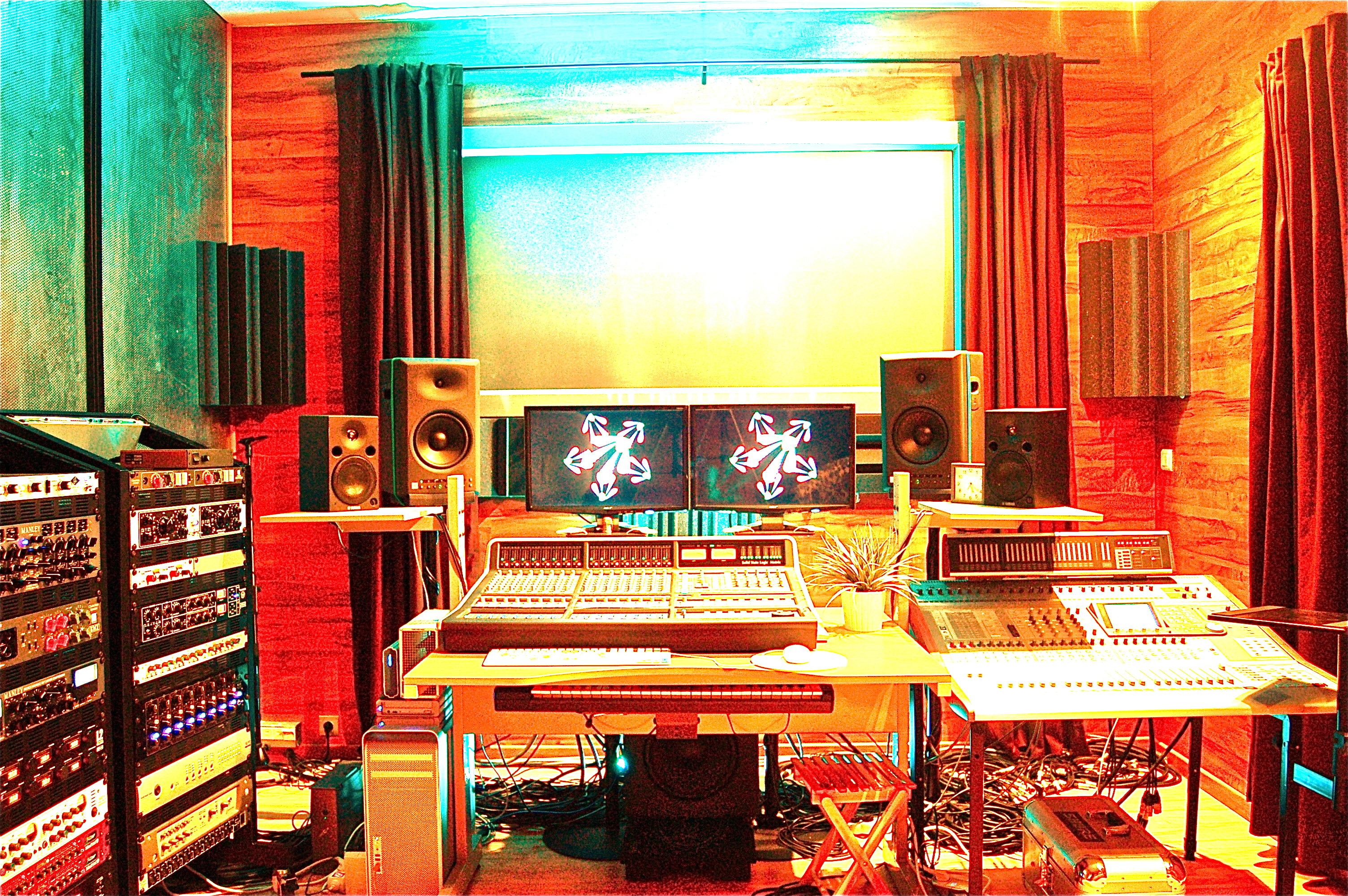 Studio d 39 enregistrement mixage et mastering roubaix - Table de mixage studio d enregistrement ...