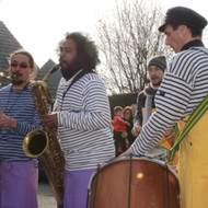 "Fanfare cuivres et percussions "" Les Marineros"""